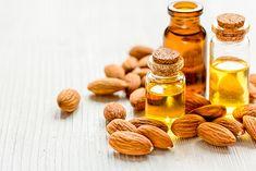 el aceite de almendras contiene tal cantidad de beneficios, que lo hacen irresistible a cualquiera que tenga la oportunidad de utilizarlo. ¡Descúbrelos!