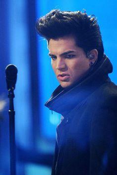 This makes me laugh for some reason...Adam Lambert looks like Elvis!
