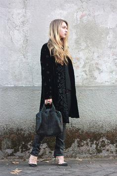 #fashion #fashionista Laura BarbieLaura - fashion blog-: All black...