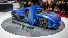 Koenigsegg Agera R in blue and purrs to the tune of 1,115bhp. One sexy beast...