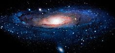 #DatoCurioso La #Vía #Láctea es una galaxia muy grande en forma de espiral, contiene 100, 000 millones de estrellas incluyendo al sistema solar. La Vía Láctea se extiende a través de las constelaciones Perseo, Casiopea y Cefeo.