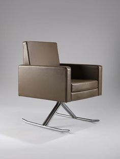 chair was created by late French modernist designer Joseph-André Motte in 1967 for Hotel de Ville of Grenoble Luge, Vintage Furniture, Modern Furniture, Furniture Design, Joseph, Take A Seat, Cool Chairs, Sofa Chair, Modern Chairs