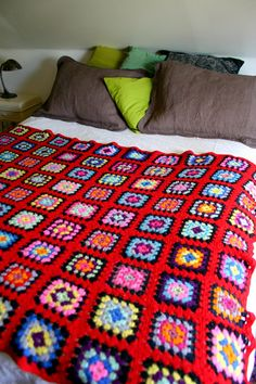 Vintage Classic crochet Granny Squares Wool Afghan Blanket