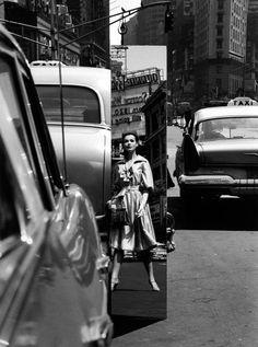 William Klein, Times Square Mirror, 1962