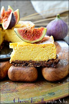 Cheesecake with pumpkin and figs