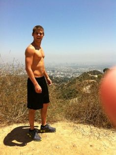 Tony Oller Hot Shirtless 6 Pack Abs & Muscle