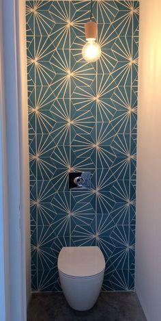 Scandinavian spirit for this reserved toilet. Mosaic Cement Tile on, Site C - Badezimmer styles - Toilet Mosaic Wall Tiles, Mosaic Bathroom, Cement Tiles, Small Toilet Room, Small Bathroom, Bathroom Ideas, Wc Decoration, Ideas Baños, Toilette Design