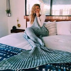 I always wanted to be a mermaid when I was little (or an astronaut), but this blanket from is pretty much the same thing right? Gabby Epstein, Blue Blanket, Star Wars Collection, Fashion Books, Merino Wool Blanket, Outfit Of The Day, Bean Bag Chair, Girl Fashion, Fashion Beauty