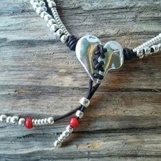Corazón cosido collar