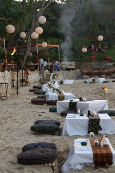 Bali - Dinner on the beach - Four Seasons