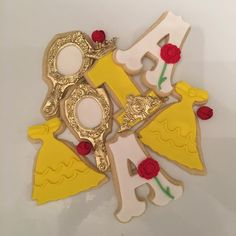Beauty and the Beast 1st Birthday Cookies w/ @jenn_cakes  #BeautyAndTheBeast #BeautyAndTheBeastCookies