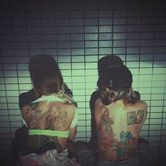 【kixx04】さんのInstagramをピンしています。 《#tattoo #tattoogirls #snake #butterfly #bitch #刺青 #入墨 #安珍清姫 #蛇  #蝶 #花札 #桜 #蓮 #悪ノリ #背中》