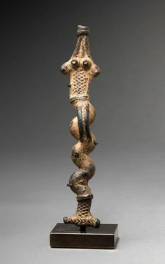 Africa | Pendant in the form of a snake from the Gan people of Burkina Faso | Bronze | Price on request