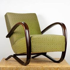 Retro & Co: Art Deco křeslo Jindřich Halabala Art Deco Furniture, Furniture Upholstery, Furniture Design, Interior Design Courses, Interior Design Living Room, Deck Chairs, Outdoor Chairs, Retro Armchair, Colorful Chairs