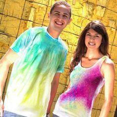 Sweet Summer Tie Dye Shirt Designs Tie Dye Shirts, Dye T Shirt, Fleece Crafts, Tie Dye Techniques, How To Tie Dye, Tie Dye Patterns, Summer Shirts, Colorful Shirts, Shirt Designs