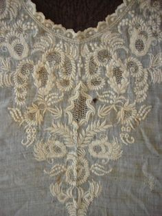 C1820 Early Intricate Dresden Whitework Lace Collar Dress Insert Appenzel