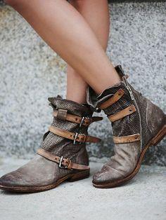 Free People Topanga Buckle Boot, ARS$3215.04: