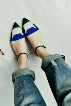 colorblocked black white and royal blue pointed toe shoes