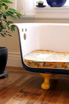 Just like Breakfast at Tiffany's! Make a chair out of an antique bathtub. It's a cute idea, but if you have an old, ugly bathtub or clawfoot tub, Bath Fitter can make a custom acrylic liner to make your old tub look brand new! Claw Bathtub, Claw Foot Bath, Diy Bathtub, Bathtub Tray, Bathtub Remodel, Bath Tub, Garden Bathtub, Antique Bathtub, Vintage Bathtub