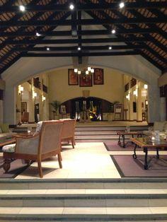 Maritim hotel lobby