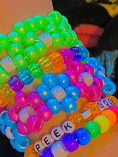 Rainbow Aesthetic, Aesthetic Indie, Kandi Bracelets, Beaded Bracelets, Beaded Jewelry, Collage Des Photos, Estilo Indie, Indie Girl, Indie Room