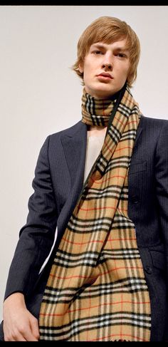 Honza wears a long double-faced Burberry cashmere scarf in reversible  Vintage check and sandstone 88c160edc9a