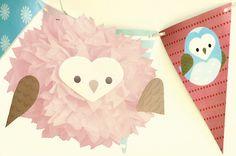 A sweet paper pompom dressed up as an owl! / Un dulce pompón de papel disfrazado como buho!