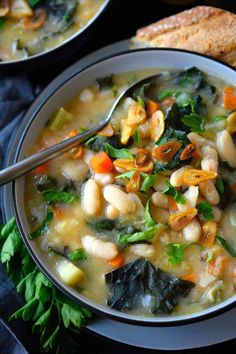 Vegan White Bean and Kale Soup | The Green Loot #vegan #healthy #weightloss