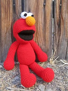 Elmo sesame street free crochet pattern muppet toy stuffed.   Think my Keaton needs this. What ya think Ben Olmsted