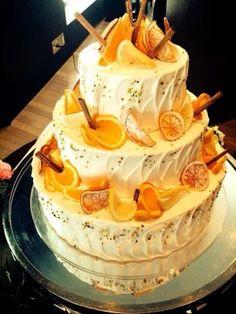 Fruit Wedding Cake, Wedding Cakes, Gift Cake, Blog Images, Yellow Wedding, Wedding Tips, Amazing Cakes, Cake Decorating, Sweets