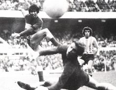 Hugo Paulino Sánchez,  Boca Juniors. Gol a Racing 1975.