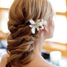 Flower embedded hairstyle :)) my-future-wedding-3
