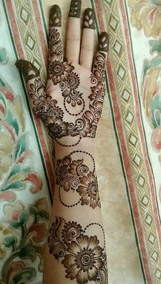 Mehndi henna designs are searchable by Pakistani women and girls. Women, girls and also kids apply henna on their hands, feet and also on neck to look more gorgeous and traditional. Henna Hand Designs, Dulhan Mehndi Designs, Mehandi Designs, Mehndi Designs Finger, Floral Henna Designs, Simple Arabic Mehndi Designs, Latest Bridal Mehndi Designs, Mehndi Designs Book, Mehndi Designs 2018