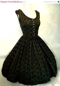 Vintage 1950s pierced paisely eyelet lace...