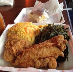 Charles Country Pan Fried Chicken New York,. Pan Fried Chicken, Food Goals, Recipes From Heaven, Food Cravings, I Love Food, Food For Thought, Food Dishes, I Foods, The Best