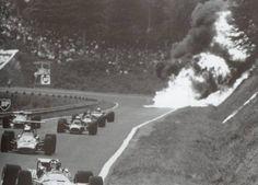 Horrifying images show the true dangers of motor racing Indy Car Racing, Road Racing, Indy Cars, Series Formula, Formula One, Le Mans, Car Fails, Jochen Rindt, Belgian Grand Prix