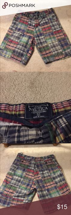 Nautica Men's 32W Summer Shorts Great condition Plaid men's Nautica shorts. No rips, stains, or tears. Lightweight. Nautica Shorts Flat Front