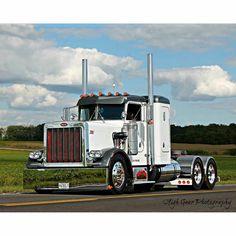 Custom Peterbilt, Peterbilt 359, Peterbilt Trucks, Show Trucks, Big Trucks, Odell Beckham Jr Wallpapers, Truck Living, Hot Black Women, Custom Big Rigs