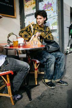 【スナップ】個性派ファッショニスタたちがパリに集結!2020年春夏パリ・ファッション・ウイーク | WWD JAPAN.com