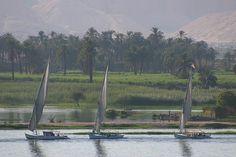 Felucas no rio Nilo. Luxor, Egito.