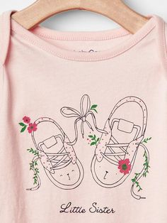 Baby Gap, Little Sisters, Embroidery Ideas, Sewing, Mini, Baby Girls, Graphics, Clothes, Animal