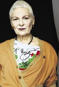 Vivienne Westwood Vivienne Westwood, Chic Outfits, Fashion Outfits, Fashion Week 2018, Sixties Fashion, Advanced Style, British Style, Wearing Black, Older Women