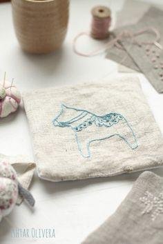 Dala Horse embroidery | Olivera