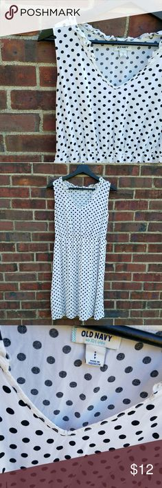 🌟Old Navy Dot Dress 🌟WHY WAIT UNTIL BLACK FRIDAY? BUY 1 of anything in the closet and Get 1 50% off. DISCOUNT WILL APPLY ON THE LOWEST OFFERED ITEM! 🌟  Shell 100% rayon Lining 100% polyester  Can be worn with any belt! Old Navy Dresses Midi