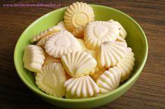 Dobrou chuť: Rakvičkové cukroví Candy Recipes, Sweet Recipes, Baking Recipes, Dessert Recipes, Slovak Recipes, Czech Recipes, Small Desserts, Low Carb Desserts, Xmas Food