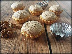 Pink & Berry : Diós kosárka Hungarian Desserts, Hungarian Cake, Hungarian Recipes, Cookie Recipes, Dessert Recipes, Sweet Cookies, Small Cake, Muffins, Wedding Desserts