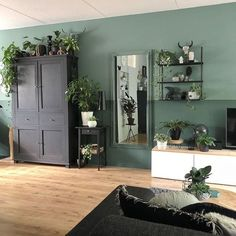 Living Room Colors, Home Living Room, Living Room Decor, Green Living Room Ideas, Interior Design Living Room Warm, Living Room Designs, Salas Lounge, Green Rooms, House Design
