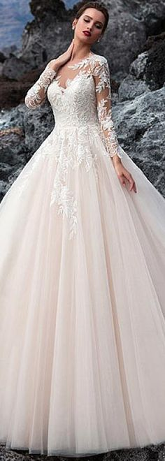 Exquisite Tulle Jewel Neckline A-line Wedding Dress With Beadings & Lace Appliques