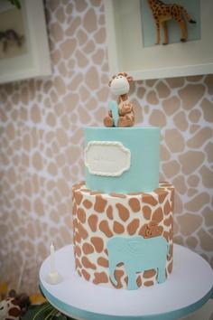 1st bday cake Mais
