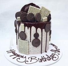 Dessert Fancy Cakes, Mini Cakes, Cupcake Cakes, Cupcakes, Chocolate Drip Cake, Chocolate Desserts, Cookies And Cream Cake, Cake Cookies, Oreo Cake Recipes